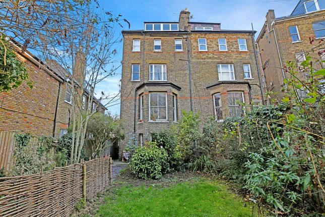 Picture No. 18 of Carleton Road, Tufnell Park, London N7