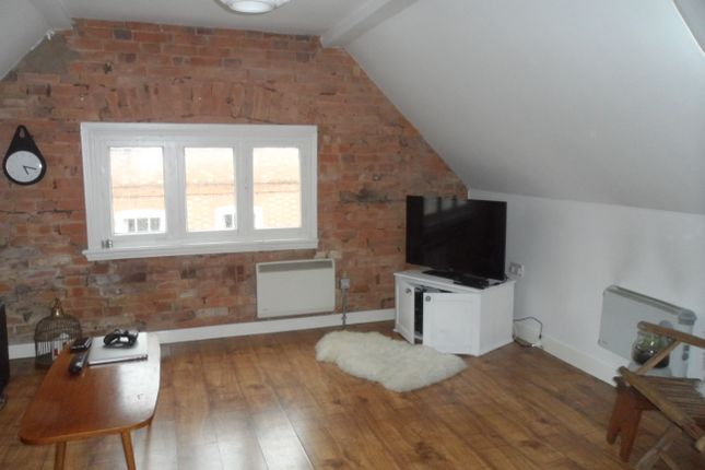 Thumbnail Flat to rent in Wycliffe Street, Leicester
