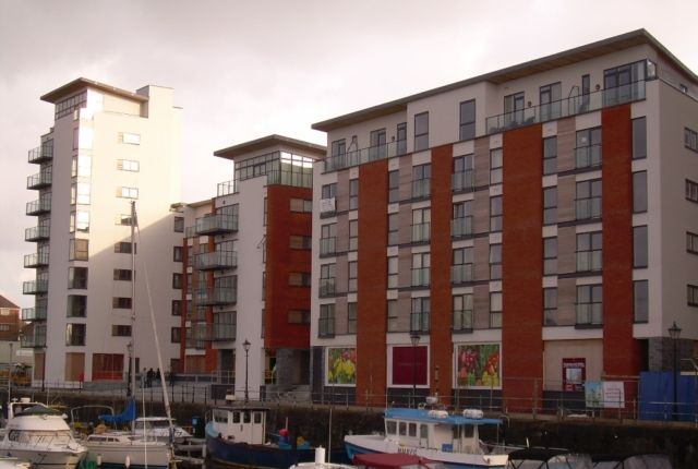 Thumbnail Flat to rent in Meridian Wharf, Trawler Road, Swansea. 1Lb.