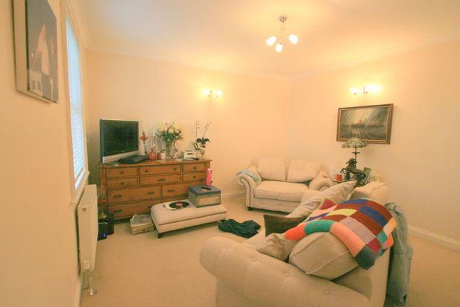 Thumbnail Flat to rent in Ashton Gate Road, Bristol