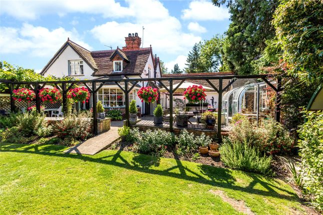 Thumbnail Detached house for sale in Chauntry Close, Maidenhead, Berkshire