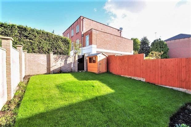 Thumbnail Town house to rent in Lorian Close, London