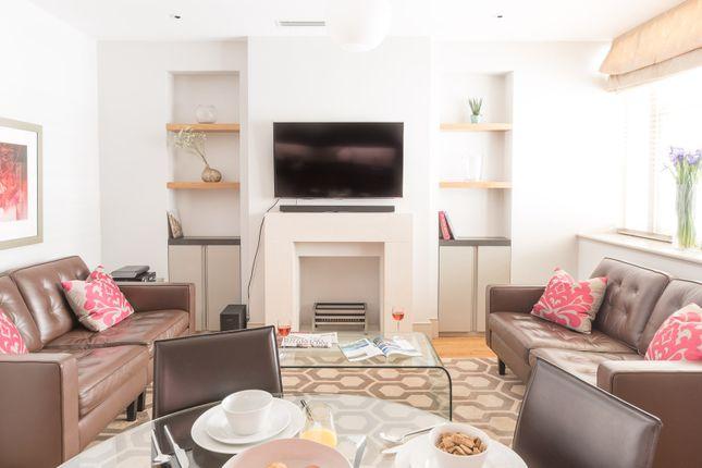 Thumbnail Flat to rent in Bentinck Street, London