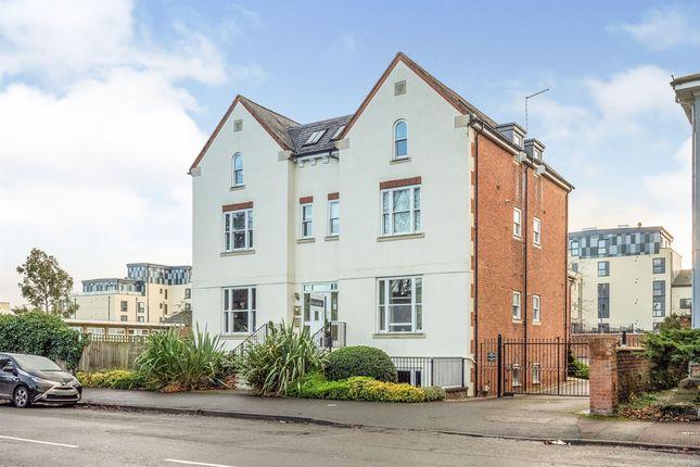 Thumbnail Flat for sale in Avenue Road, Leamington Spa