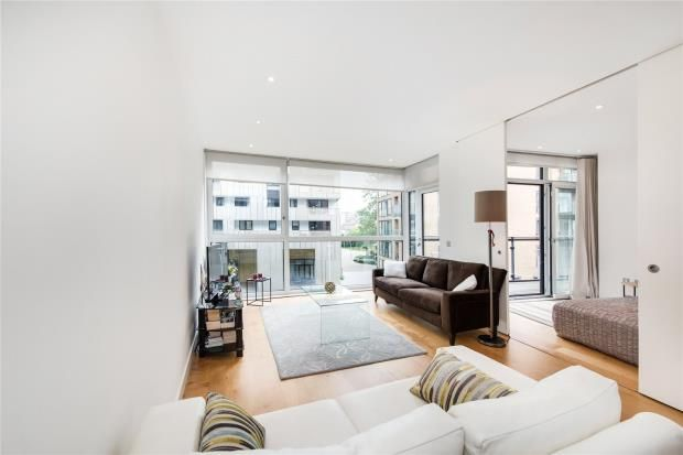 Thumbnail Flat to rent in Hepworth Court, 30 Gatliff Road