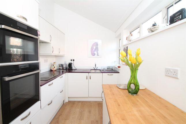Thumbnail Flat to rent in Scholefield Road, London