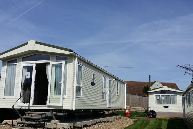Thumbnail Mobile/park home for sale in Manston Court Road, Kent