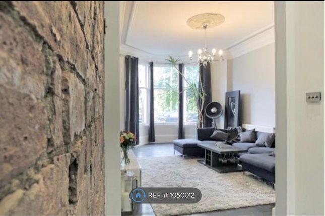 3 bed flat to rent in Pollocksheilds, Glasgow G41
