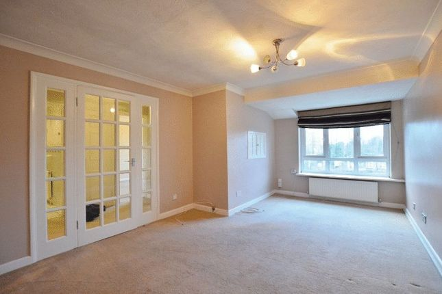Thumbnail Flat to rent in Lime Tree Court, The Avenue, Hatch End, Pinner