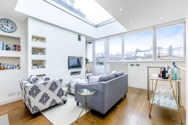 Flat to rent in Gayton Road, Hampstead