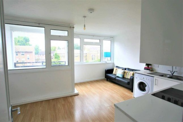 Thumbnail Flat to rent in Stanswood Gardens, London