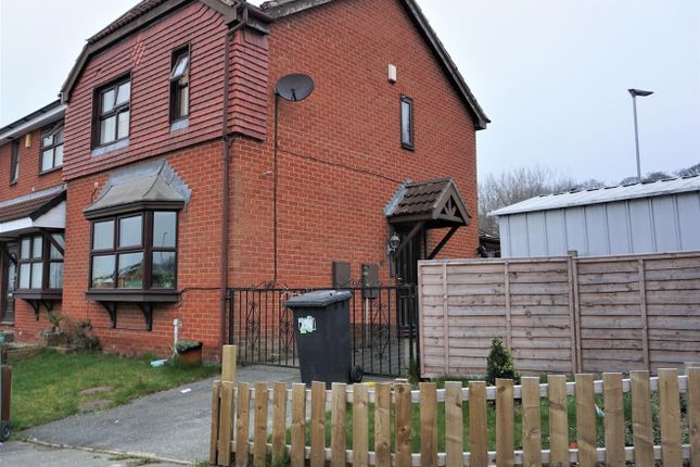 3 bed semi-detached house to rent in Cornfield, Dewsbury WF13