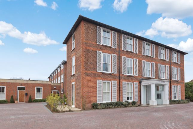 Thumbnail Flat for sale in Newark Lane, Ripley, Woking