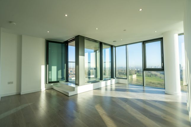 Thumbnail Flat for sale in City North, Finsbury Park