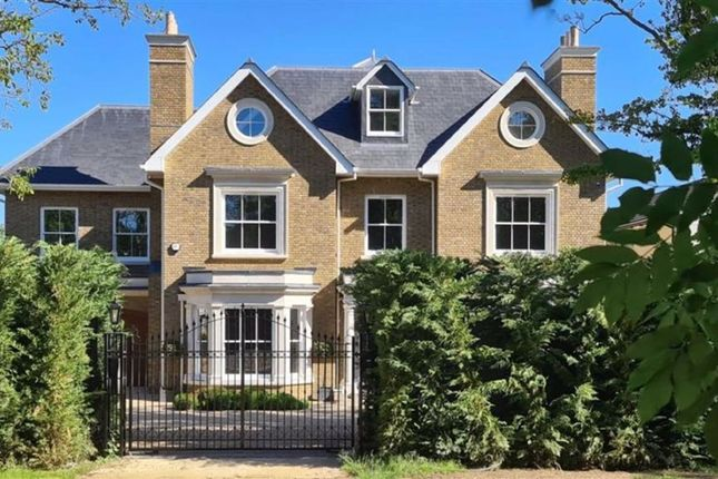 Thumbnail Detached house for sale in Rowley Green Road, Arkley, Hertfordshire