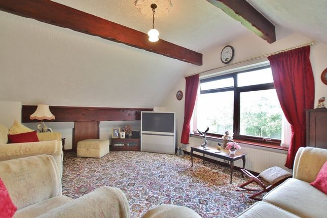 Family Room of Banks Road, Lower Heswall, Wirral CH60