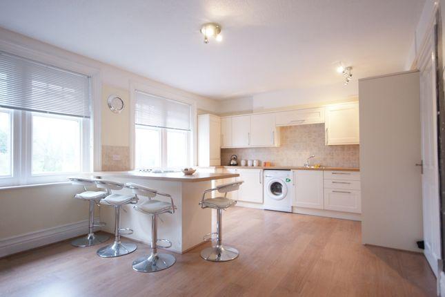 Thumbnail Maisonette to rent in Lynton Road, Bordon