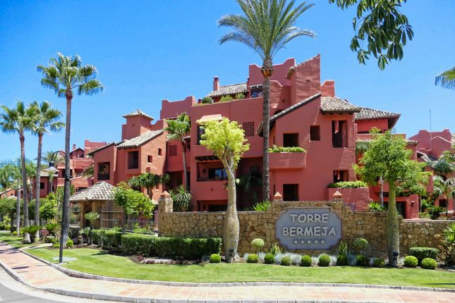 3 bed apartment for sale in Calle Sefardi, Estepona, Andalucia, 29680, Spain