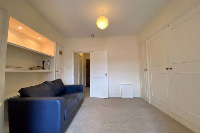 Thumbnail Studio to rent in Orme Court, Bayswater