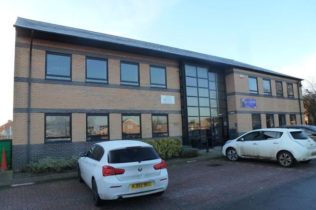 Thumbnail Office to let in Suite 4/5 Haldenby House, Berkeley Business Centre, Doncaster Road, Scunthorpe, North Lincolnshire