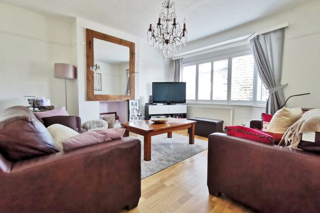 Thumbnail Maisonette for sale in Oakleigh Road North, London