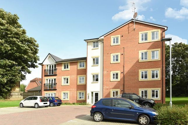 Thumbnail Flat for sale in Bushey, Hertfordshire