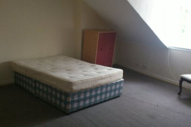 Thumbnail Flat to rent in Somers Road, Southsea