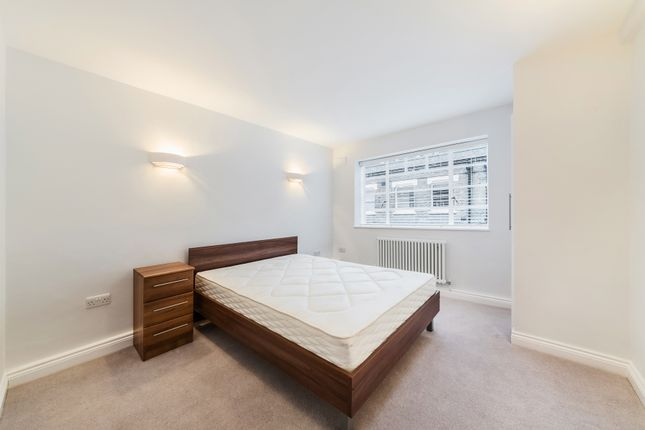 Master Bedroom of Gower Mews Mansions, Gower Mews, Bloomsbury, London WC1E