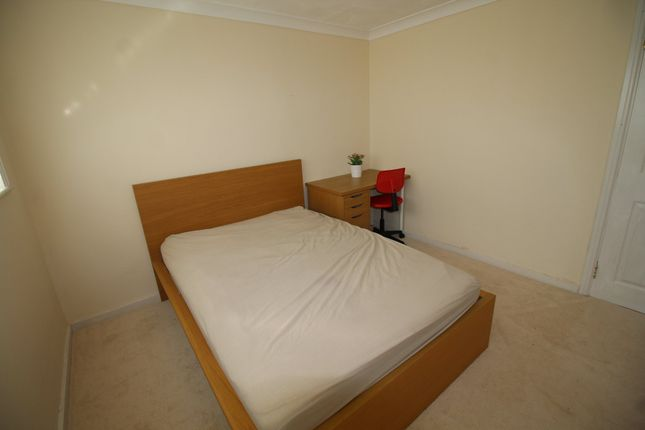 Thumbnail Room to rent in Room 1, Croydon Close, Chelyesmore