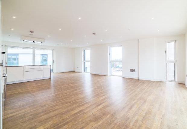 Thumbnail Flat to rent in Collett House, 50 Wandsworth Road