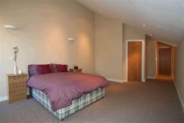 Thumbnail Flat to rent in Shire Oak Street, Headingley, Leeds