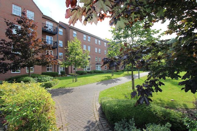 Thumbnail Flat to rent in Wenlock Drive, West Bridgford, Nottingham