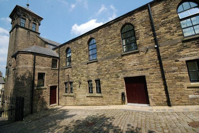 Thumbnail Flat to rent in Victoria Street, Glossop