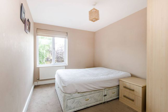 Thumbnail Maisonette to rent in Trinity Road, Wimbledon