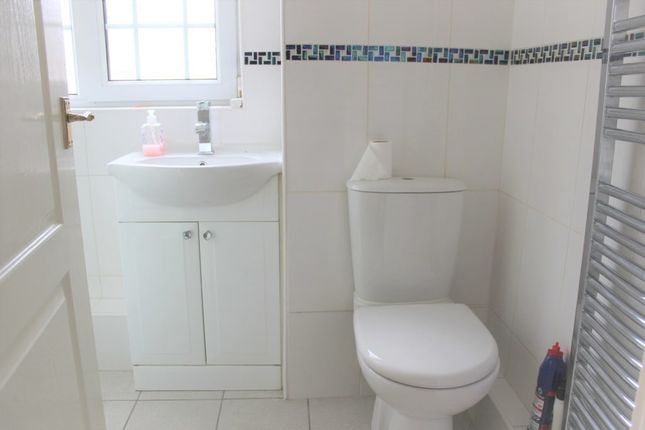 Shower Room of Backbrae Street, Kilsyth, North Lanarkshire G65