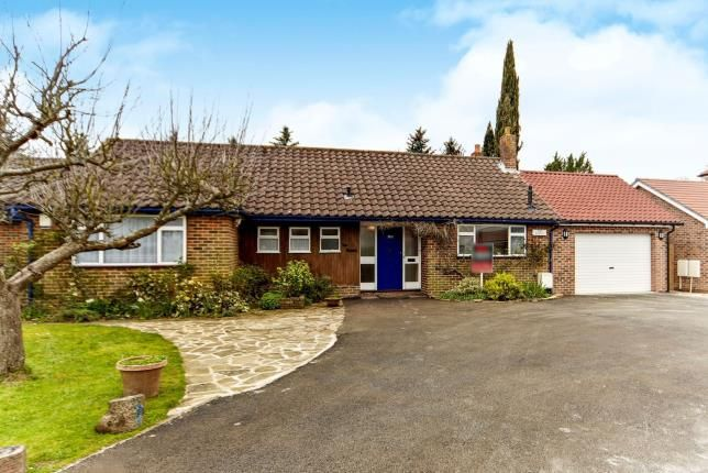 Thumbnail Bungalow for sale in Church Way, Sanderstead, South Croydon