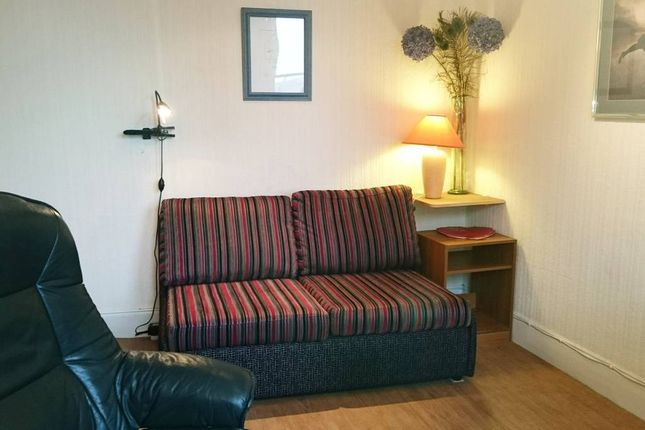Thumbnail Terraced house to rent in Upper Bow, Edinburgh