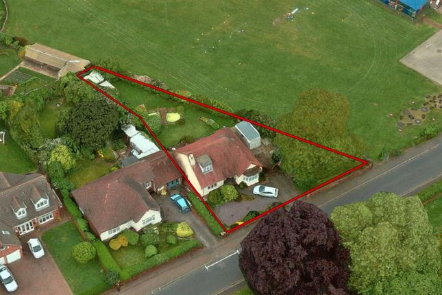 Thumbnail Detached bungalow to rent in Four Crosses Road, Shelfield, Walsall