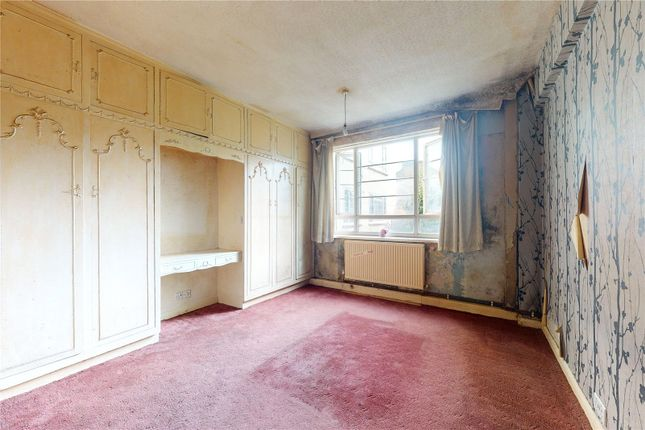 Bedroom of Beaumont Court, Upper Clapton Road, London E5