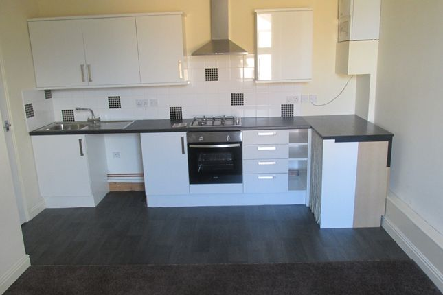 2 bed flat to rent in Badsley Moor Lane, Clifton