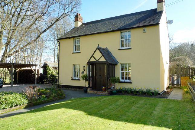 Thumbnail Cottage for sale in Laindon Common Road, Little Burstead, Billericay