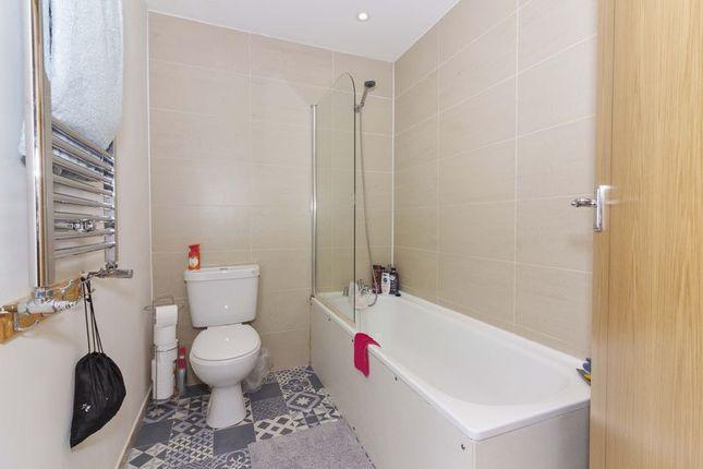 Bathroom of Warwick Gardens, Worthing BN11
