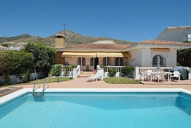 4 bed villa for sale in Benalmádena, Málaga, Spain