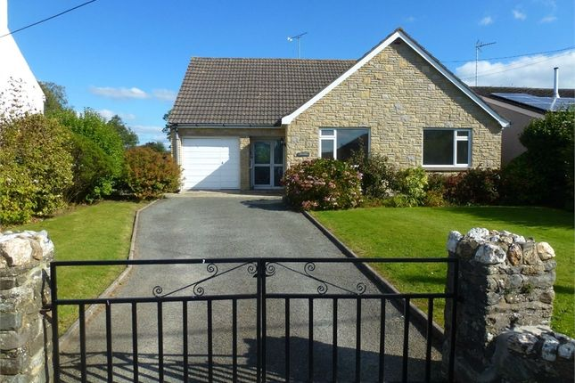 3 bed detached bungalow for sale in Llangoedmor Road, Penparc, Cardigan, Ceredigion