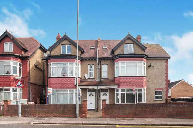 Thumbnail Flat for sale in 292-294 Dunstable Road, Luton