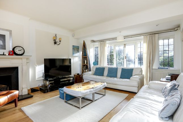 Thumbnail Flat to rent in Corkran Road, Surbiton