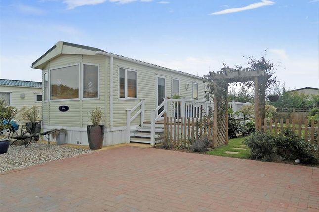 2 Bed Mobile Park Home For Sale In Lebernham Grove Birchington Kent