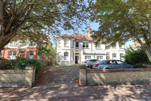 2 bed flat for sale in Parkgate, Westcliff-On-Sea SS0