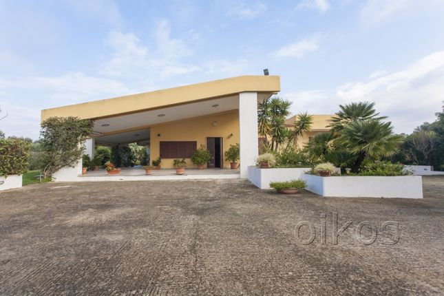 4 bed villa for sale in Ss16, Carovigno, Brindisi, Puglia, Italy