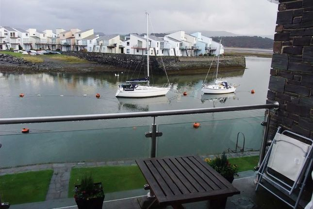 Thumbnail Flat to rent in Porthmadog